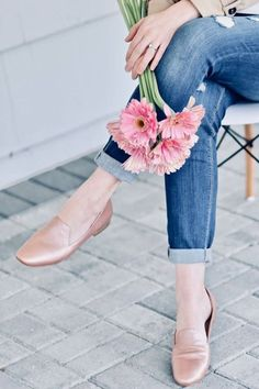 Naturalizer Shoes for Women, Cheap, Comfortable and Classy Shoes for any outfit. Loafer Flats, Loafers, Naturalizer Shoes, Cute Shoes, Slip On, Classy, Leather, Outfits, Beauty