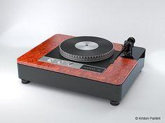 Custom-designed turntable plinth by Plinth-Design.