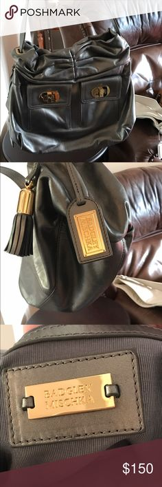 badgley mischka shoulder bag Hardly worn badgley mischka shoulder bag. Perfect condition Badgley Mischka Bags Shoulder Bags