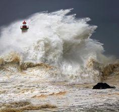 Storm waves (via Veselin Malinov)