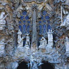 Works of Antoni Gaudi © Vincent Ko Hon Chiu