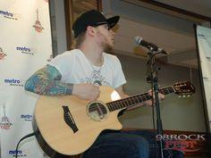 98 RockFest Shinedown Acoustic show - Zach Myers