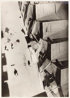 by Alexander Rodchenko  Vchutemas court, Moscow, 1927.