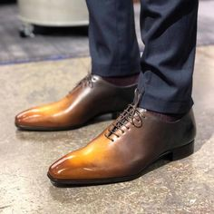 Handmade leather shoes for sale Slip On Shoes, Men's Shoes, Shoe Boots, Dress Shoes, Derby, Handmade Leather Shoes, Leather Skin, Penny Loafers, Casual Shoes