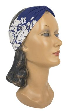 The new Trashy Diva Knot Headband in Blue Hawaii is the perfect finishing touch!