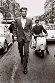 Clint Eastwood Walking In Rome (1960s) | Bored Panda