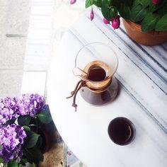 Kahveye karşı da boş değilim.  #chemex #coffee #coffeeaddict #coffeeoftheday #instacoffee #coffeelover #burundi #africa #minimal #minimalist #onthetable #vsco #organic #gastronomy #eatclean #huntgram #inteawetrust http://ift.tt/1U25kLY