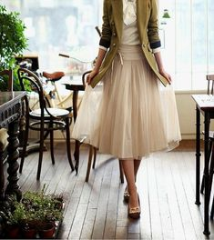 50 Awesome Looks with Tulle Skirt. Love this classic outfit!