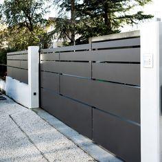 Portail structureen acier et habillage tôles en aluminium thermolaqués