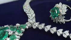 Elegance at its finest. #LondonDE #bespokeservice #bespokejewellery #ethicallysourced #sustainablysourced #ethicaljewellery #sustainablejewellery #giftspiration #HattonGardenJewellery #HattonGardenJewellers #HattonGardenDiamonds #HattonGardenJewels #HattonGardenGems #diamonds #emeralds #diamond #emerald #emeraldjewellery #emeraldjewelry #diamondjewellery #diamondjewelry #emeraldset #diamondset #jewelleryset #necklace #ring #diamondring #emeraldring #diamondnecklace #emeraldnecklace Emerald Necklace, Emerald Jewelry, Diamond Jewelry, Diamond Brooch, Diamond Pendant, Diamond Rings, Jewelry Sets, Fine Jewelry, Wedding Jewelry