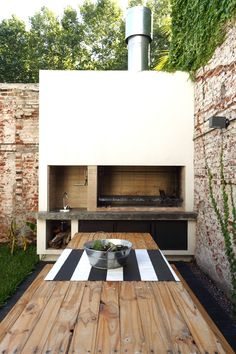 If you have the space in your yard, check out the outdoor kitchen ideas total wi. - If you have the space in your yard, check out the outdoor kitchen ideas total with bars, seating ar - Outdoor Kitchen Bars, Pizza Oven Outdoor, Outdoor Kitchen Design, Outdoor Kitchens, Kitchen Modern, Patio Bar, Backyard Patio, Parrilla Exterior, Outdoor Barbeque