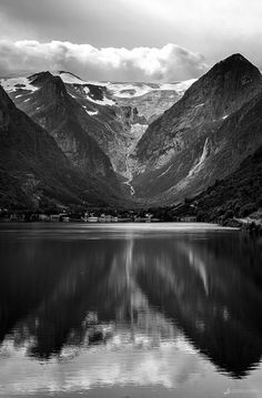 Briksdalsbreen reflected - The beautiful briksdalsbreen glacier reflected in lake Oldevatnet