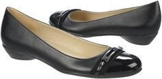 Naturalizer Women's Helina Flat at Famous Footwear