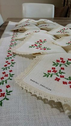 Drawing Lessons, Bohemian Rug, Diy And Crafts, Projects To Try, Cross Stitch, Embroidery, Drawings, Model, Cross Stitch Embroidery