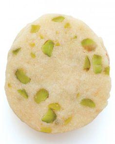 Easter Cookies // Pistachio-Shortbread Sandwich Cookies Recipe