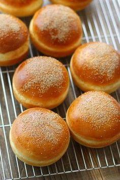 Roti Bread, Bread Bun, Pan Bread, Pastry Recipes, Bread Recipes, Baking Recipes, Roti Bun Recipe, Japanese Bread, Bakery Menu
