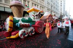 The 2014 Portland Macy's Holiday parade takes place the day after Thanksgiving, and the same day as the Holiday/Christmas tree lighting in Pioneer Square.
