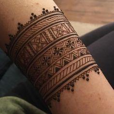 Henna bracelet #bracelet #henna