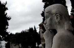 ΦΩΤΟΡΕΠΟΡΤΑΖ - Gio Holgersson - Το πρώτο φως της ημέρας στο Ά νεκροταφείο Αθηνών Silhouette, Artwork, Work Of Art, Auguste Rodin Artwork, Silhouettes