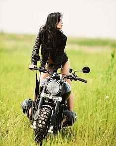Elegant-Apparatus — R Nine-T via 😉🙌🏼 Ural Motorcycle, Motorbike Girl, Motorcycle Girls, Motorcycle Posters, Cafe Racer Girl, Bmw Cafe Racer, Cafe Racers, Lady Biker, Biker Girl