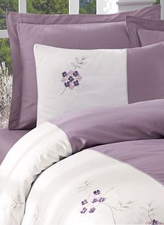 This Pin was discovered by سما Lilac Bedroom, Purple Bedding, Bedroom Sets, Bedroom Decor, Teen Bedding, Bedding Sets, Designer Bed Sheets, Cama King, Embroidered Bedding