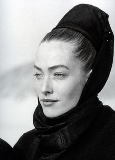 1986 -Tatiana Patitz  in Azzedine Alaia by P.Lindvergh