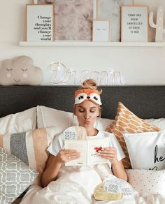 Bedroom Photography, Tumblr Photography, Lifestyle Photography, Cozy Pajamas, Pyjamas, Stylish Home Decor, Pajama Party, Creative Photos, Poses