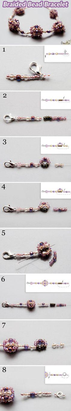 Плетём красивый браслет из бусин и бисера