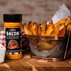 Deliciou's Bacon Seasoning makes anything taste like bacon. As a natural, vegan and healthy seasoning option you can flavor your meal with confidence. With our bacon salt you can turn an average meal into an unbelievable deliciousness. Bacon Fries, Bbq Bacon, Raw Food Recipes, Appetizer Recipes, Cooking Recipes, Appetizers, Whole Plant Based Diet, Red Bean And Rice Recipe, Bacon Seasoning
