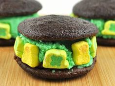 Little Lucky Whoopie Pies #StPatricksDay