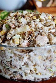 Składniki: 200 g białego ryżu; 500 g filetu z piersi kurczaka; Puszka kukurydzy konserwowej (waga netto, po od... Appetizer Salads, Appetizer Recipes, Salad Recipes, Lunch Recipes, Healthy Recipes, Healthy Cooking, Healthy Eating, Cooking Recipes, Snacks Für Party