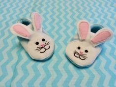 Easter bunny shoes by Cuddlythreads on Etsy