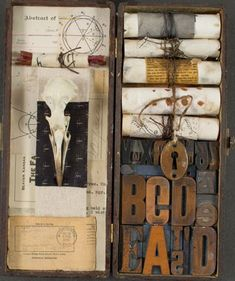 contemporary mixed media collage painter              Donna Watson