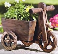 SOLID WOOD RUSTIC TRICYCLE PLANTER SOLID WOOD CONSTRUCTION GARDEN PLANT POT Wheel Barrel Planter, Wagon Planter, Garden In The Woods, Succulent Terrarium, Wall Art Pictures, Flower Boxes, Wood Construction, Flower Crafts, Potted Plants