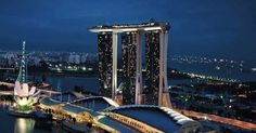 Infinite Possibilities in the Singapore Skyline: Marina Bay Sands Skypark