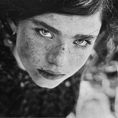 Black and White Portrait Photography by Daria Pitak - Smashfreakz