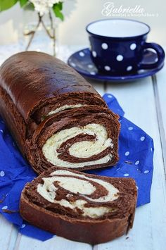 Gabriella kalandjai a konyhában :): Kakaós-joghurtos kalács No Salt Recipes, My Recipes, Cookie Recipes, Baking And Pastry, Bread Baking, Hungarian Recipes, Sweet Bread, Cake Cookies, Food And Drink
