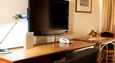 The workstation within the rooms at Rydges Camperdown. Sydney, Flat Screen, Rooms, Blood Plasma, Bedrooms, Flatscreen, Dish Display