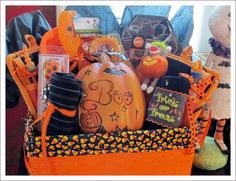 Halloween Gift Baskets   Pretty Food's Halloween Basket Gift Basket