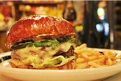■THE GREAT BURGER■ 東京都渋谷区6-12-5 1F 営業時間 11:30~23:00(L.O. 22:30) 定休日 なし TEL: 03-3406-1215 HP: http://www.the-great-burger.com