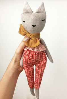 'Lulu' Linen Handmade Cat Doll | lespetitesmainss on Etsy