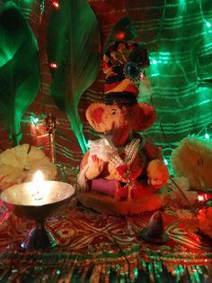 सर्वांना गणेश चतुर्थीच्या हार्दिक शुभेच्छा 🙏🏻🙏🏻 Happy Ganesh Chaturthi, Happy Wishes, Painting, Art, Art Background, Painting Art, Kunst, Paintings, Performing Arts