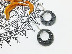 Silver Mandala Earrings/ Unique Oxidized Silver por PuntoPausa