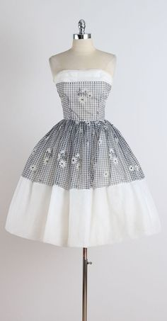 Vintage 1950s Gingham Daisy Cocktail Dress