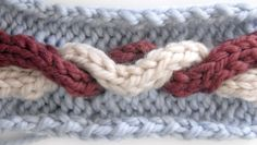 Tutorial: How to knit cables @ loveknitting blog