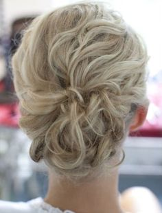 Wedding Hair: Inspiration for the Unsure. | The Blushing Bride - I like this, too.