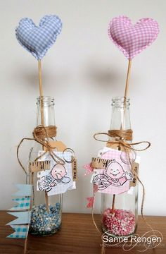 Fabric hearts in a bottle with cute tag. Leuk als kraamcadeau met gift card Prenatal.
