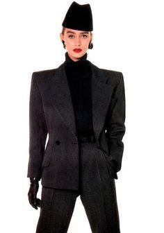 Zppertravel. #DrStyle Versace Power Suit.