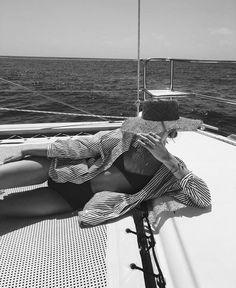 Mood until summer. Black And White Aesthetic, Black N White, Beach Vibes, Summer Vibes, Images Instagram, Trendy Swimwear, Girly, Summer Feeling, Summer Pictures