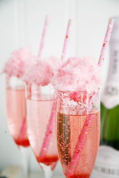 Cotton Candy Champagne for Valentine's Day #champagne #valentinesday